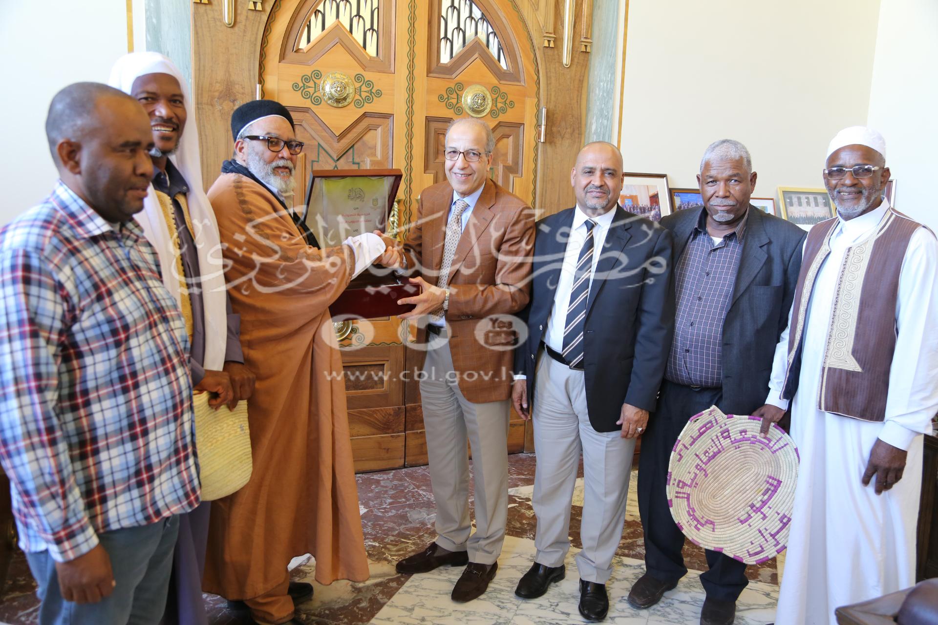 السيد المحافظ يلتقي وفداً من جمعية مُزارعي الحبوب بالجنـوب الليبي