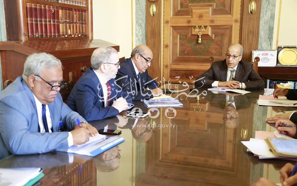 السيد المحافظ يلتقي أعضاء مجلس إدارة المؤسسة الوطنية للنفط وإدارتها التنفيذية