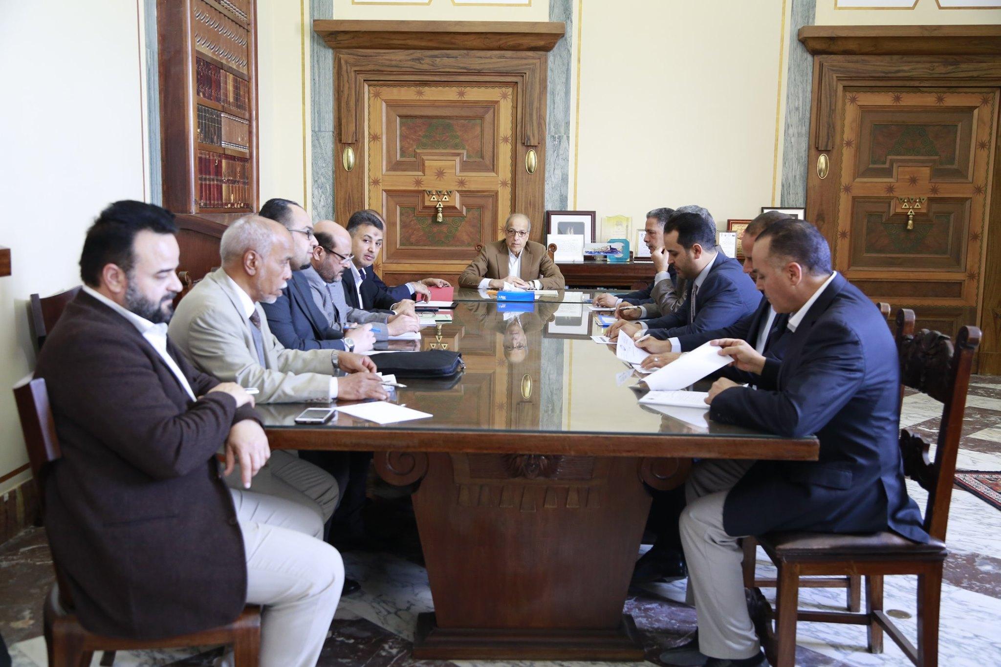 إجتماع مصرف ليبيا المركزي مع وزارة المواصلات