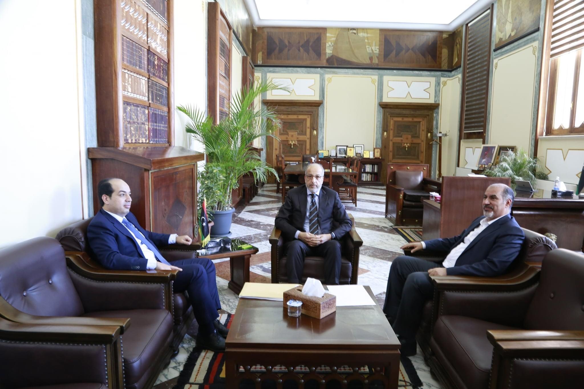 اجتماع السيد المحافظ مع نائبين بالمجلس الرئاسي لحكومة الوفاق الوطني