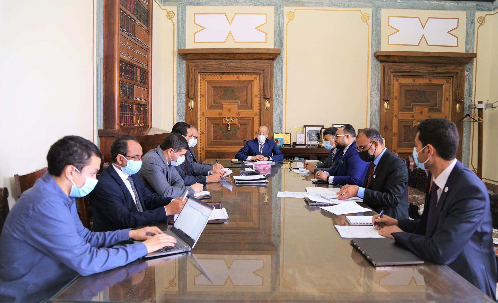 إجتماع مصرف ليبيا المركزي بشأن تطوير خدمات أنظمة الدفع الإلكتروني