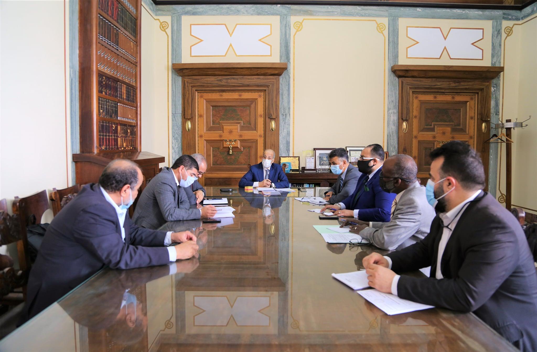 إجتماع مصرف ليبيا المركزي بشأن توفير السيولة النقدية