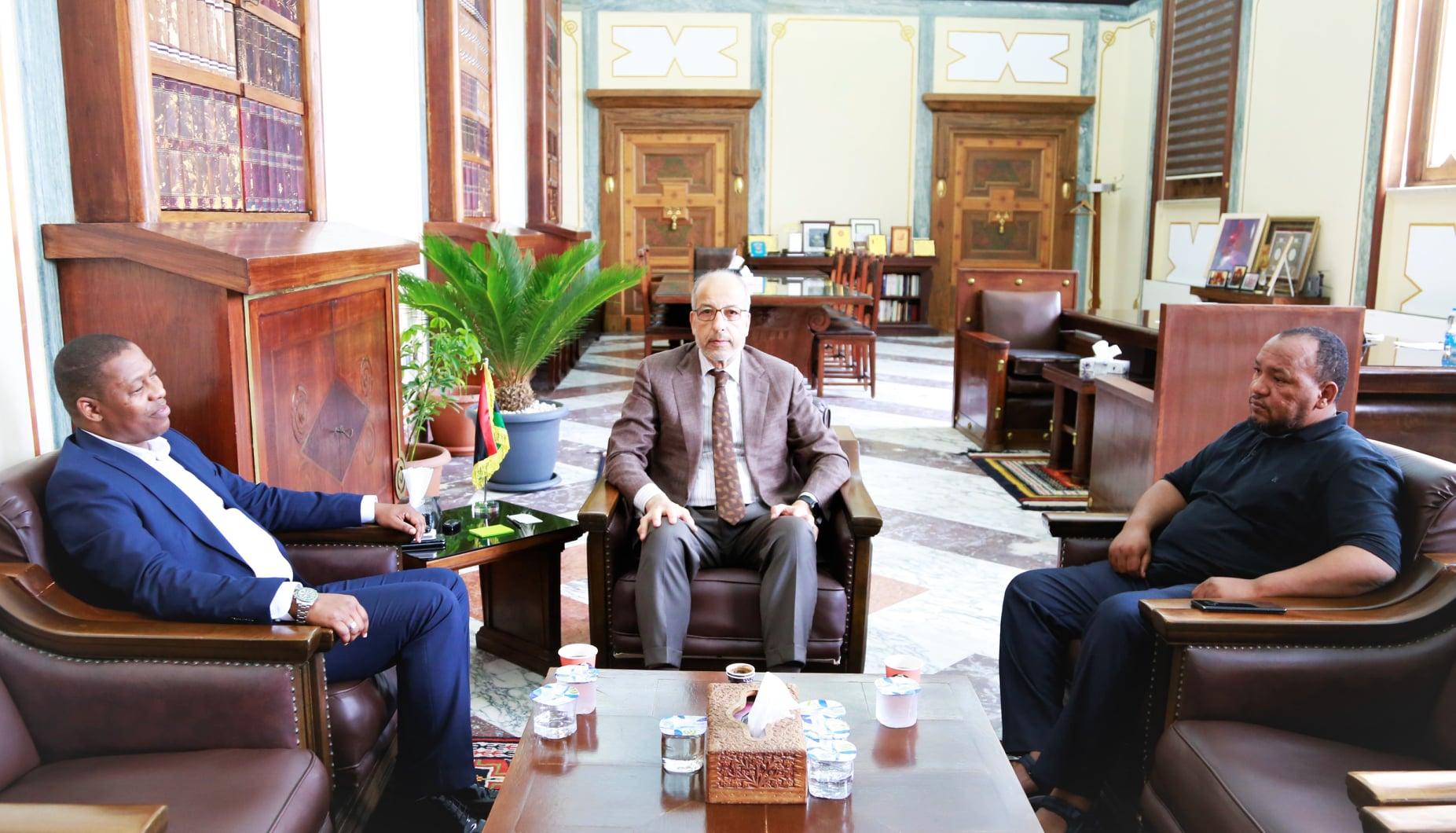 إجتماع مصرف ليبيا المركزي بشأن توفير السيولة للمنطقة الجنوبية