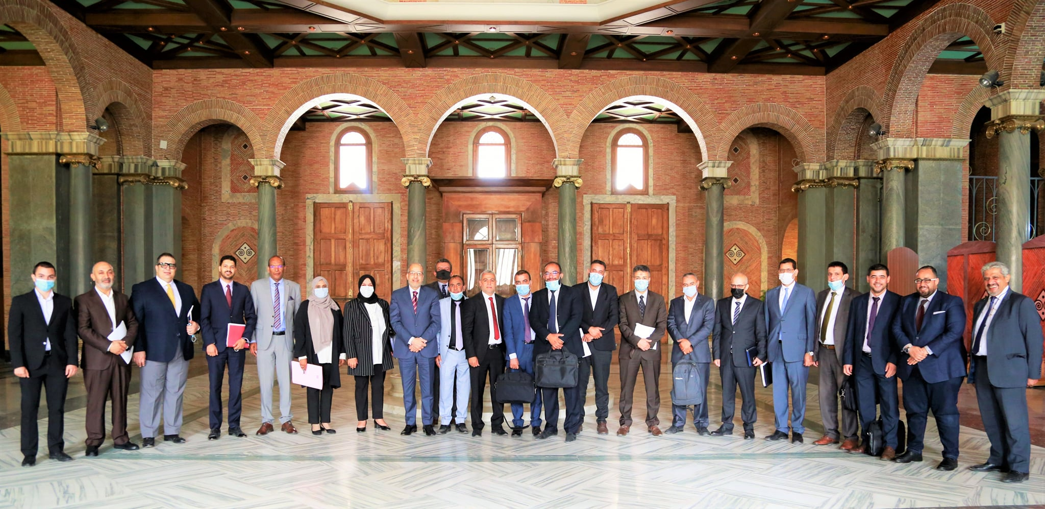 إجتماع مصرف ليبيا المركزي بشأن إطلاق عدد من المشروعات الهامة