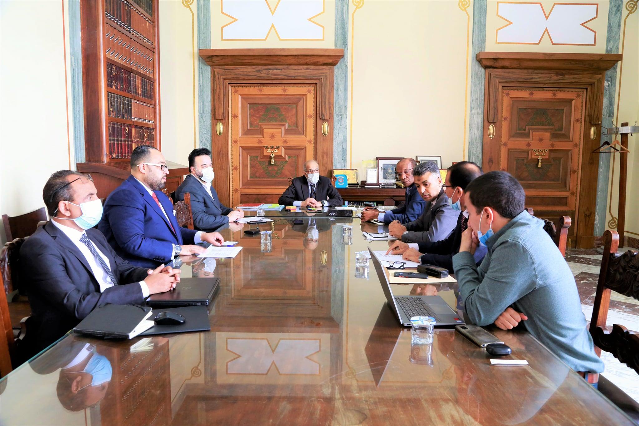 إجتماع مصرف ليبيا المركزي بشأن إطلاق مجموعة من المشاريع المختلفة