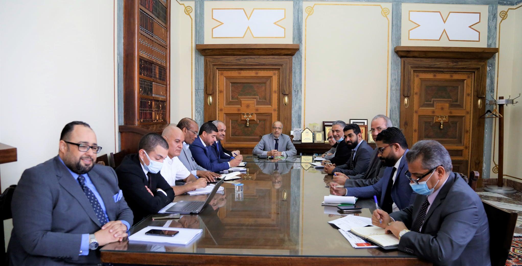 إجتماع مصرف ليبيا المركزي مع إدارات المصارف التجارية ،،
